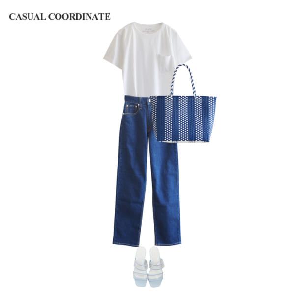 【カジュアルコーデ】白Tシャツ×ブルーデニムパンツで爽やかに