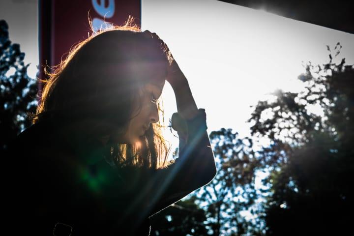 失恋から立ち直れない女性の心理