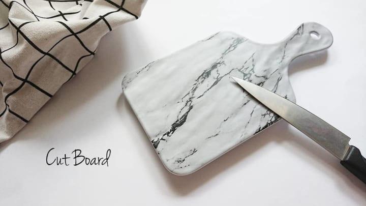 大理石風カットボード