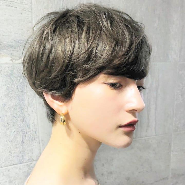 面長さんに似合うショートの髪型2
