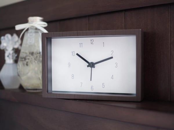 アラーム付き置時計