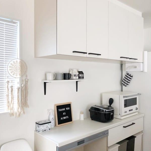 清潔感とオシャレさを両立したモノトーンキッチン4