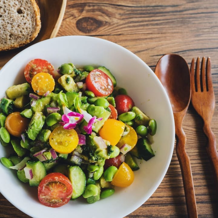 色鮮やかでおしゃれ!夏野菜のサラダ