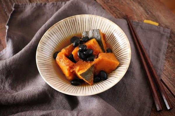 黒豆とかぼちゃの煮物