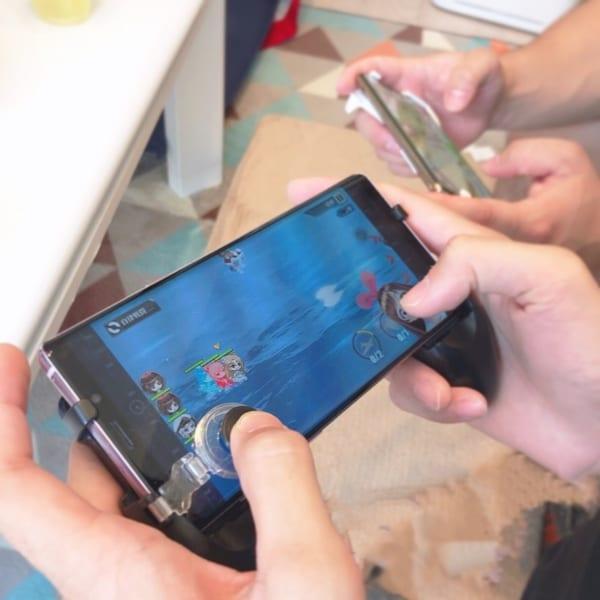 スマートフォンゲーム用ハンドルグリップ