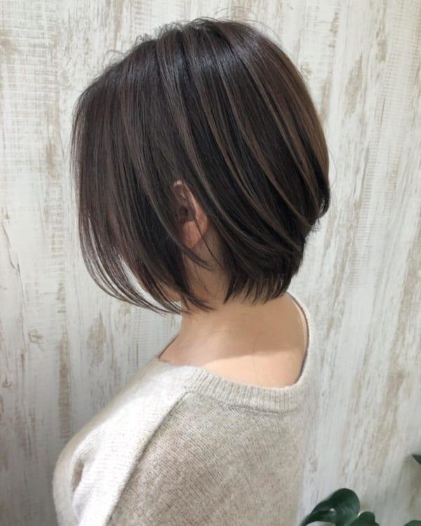 小顔に見えるショートの髪型7
