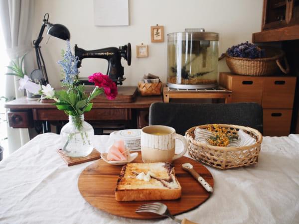 お花を添えていつもの食卓が華やかに