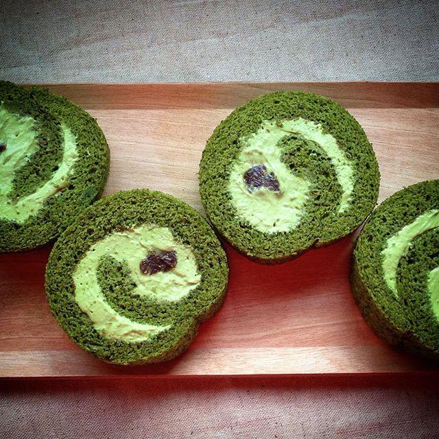 人気お菓子レシピ:上品な抹茶ロールケーキ