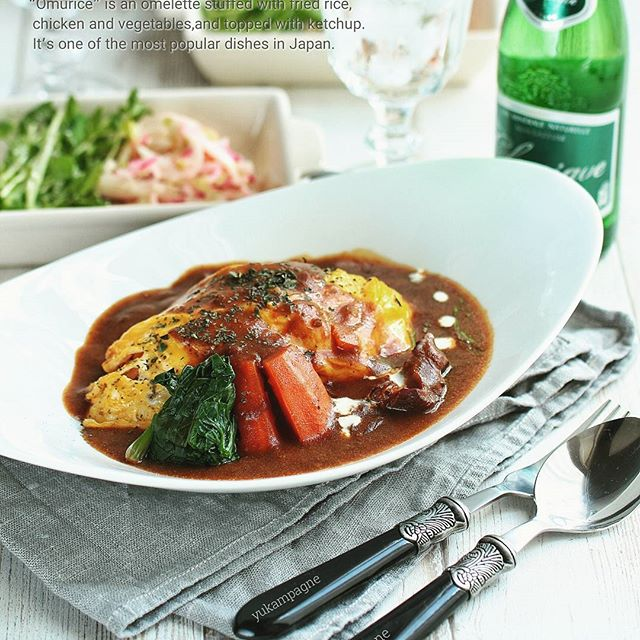 簡単人気主食レシピ:ビーフシチューオムライス