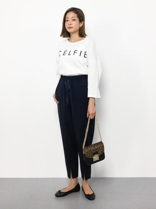 "[reca] 【スタッフおすすめ】ゆったりストレスフリーの着心地ロゴtシャツ ""CELFIE"""