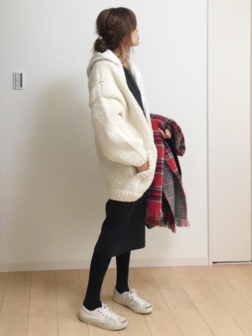 白×黒の大人女子コーデ12