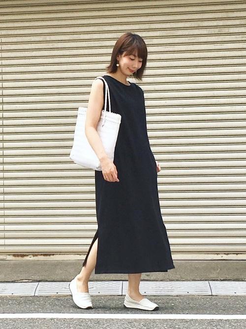 白×黒の大人女子コーデ10