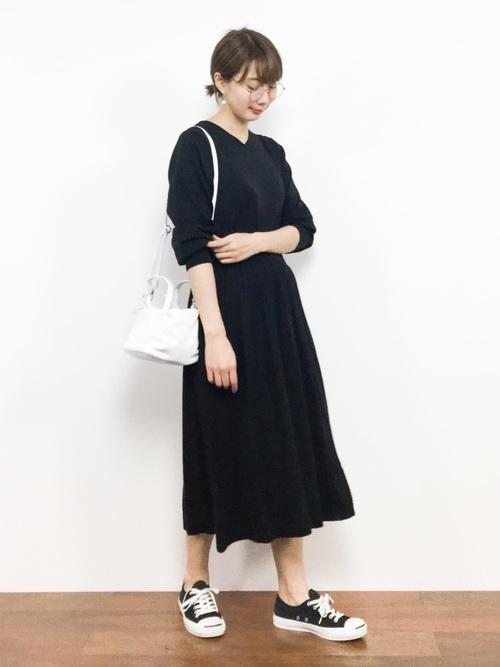 白×黒の大人女子コーデ11