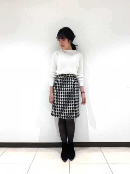 千鳥格子柄の台形スカートでクラシカルコーデ