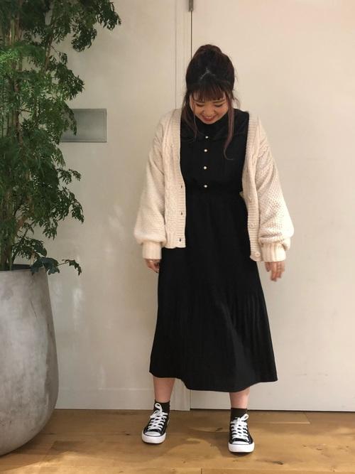 白×黒の大人女子コーデ13