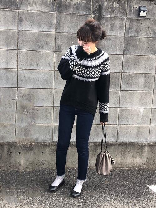 ジャガードセーターで秋冬ムードを盛り上げて