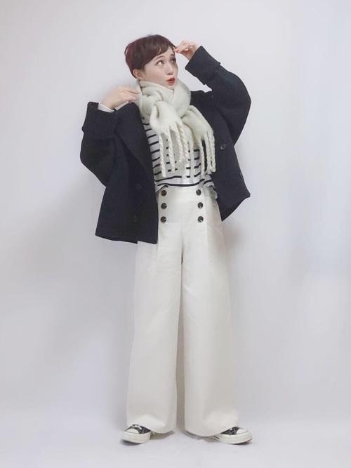 ワイドパンツで冬のマリンファッション