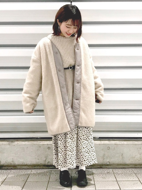 白スカート 冬コーデ11