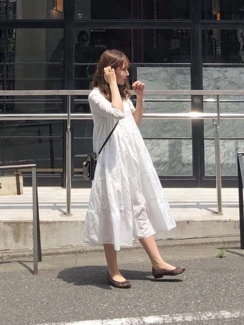 白×黒の大人女子コーデ8