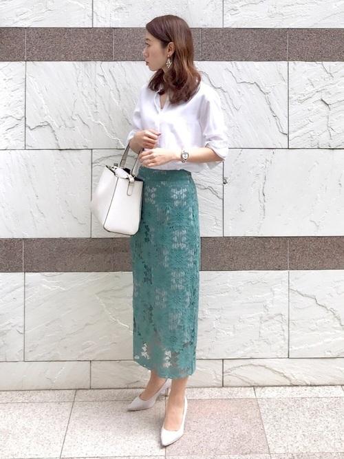 【ユニクロ】白シャツ×レーススカート
