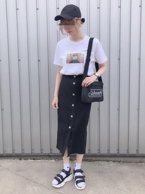リブフロントボタンナローミディスカート