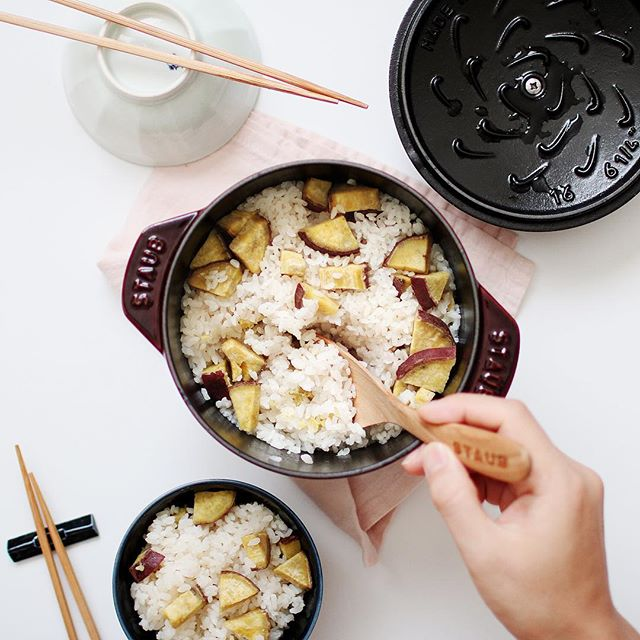 ⑱人気ご飯物:サツマイモの炊き込みごご飯