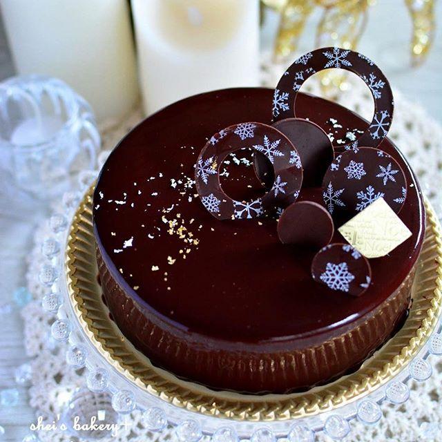つややかチョコレートのクリスマスケーキ