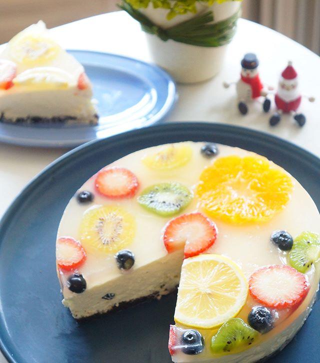 フルーツレアチーズのクリスマスケーキ