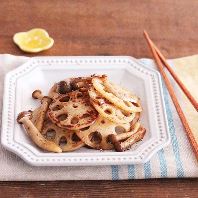 副菜に!レンコンとしめじのおつまみチーズ焼き