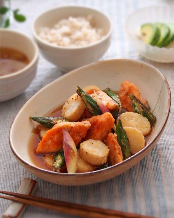 簡単人気料理に!鮭と長芋のめんつゆの煮物