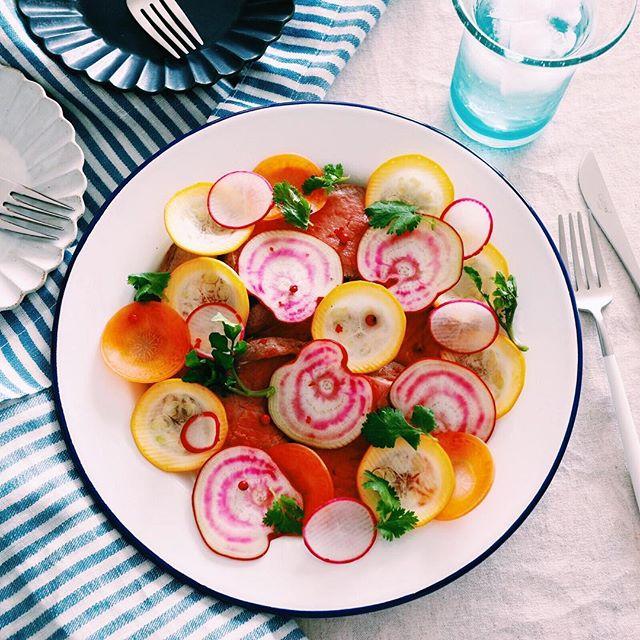 ローストビーフと野菜のサラダ