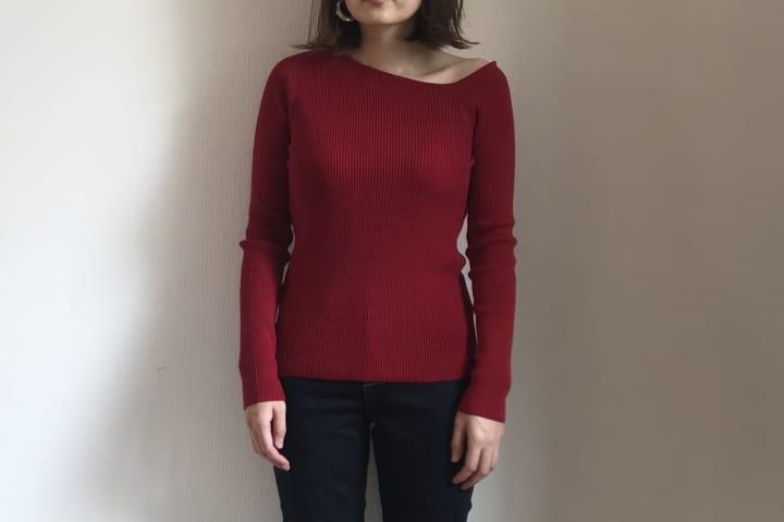 リブアシンメトリーネックセーター