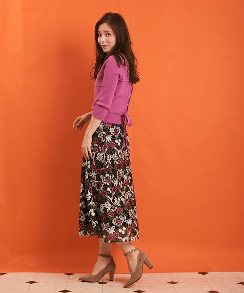 [Noela] 幾何学フラワー柄刺繍スカート
