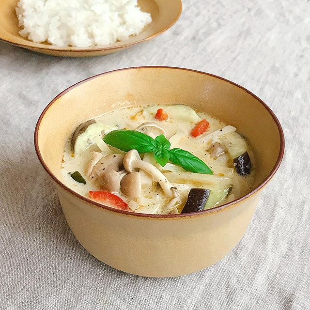 ココナッツミルクのスープカレー