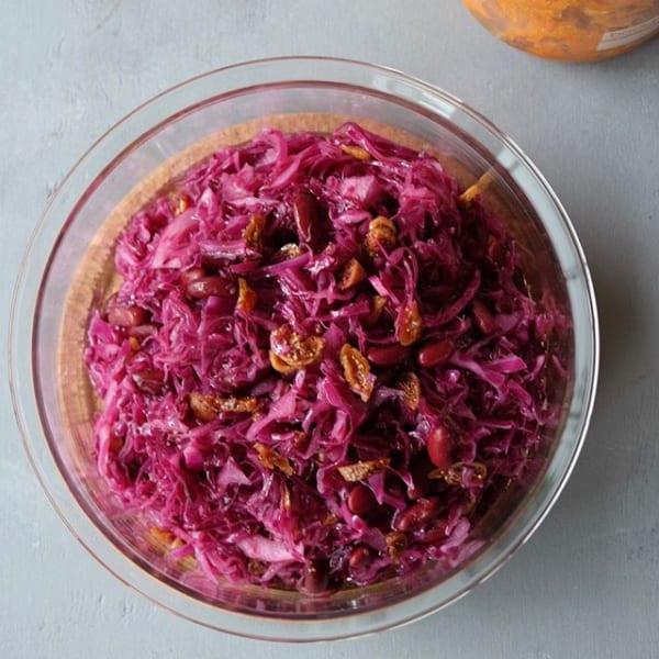 お弁当にも使えて人気!紫キャベツのマリネ