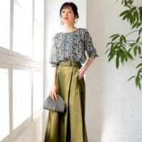 カーキスカートの初秋コーデ15選♪カジュアルな「スカート」で大人の抜け感スタイル