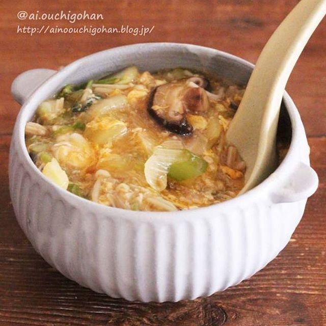 白菜とたっぷりきのこのとろみたまごスープ