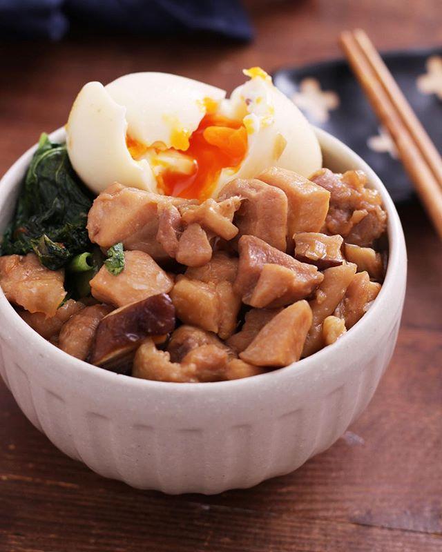 鶏もも肉で作る魯肉飯風ごはん
