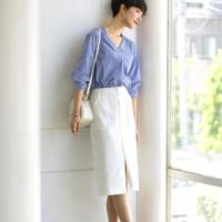 白スカートの秋コーデ特集!大人カジュアルが叶うおしゃれな着こなしを大公開♡