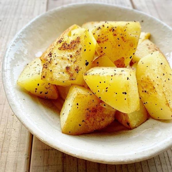 ⑤おかずレシピ:人気のガーリックポテト