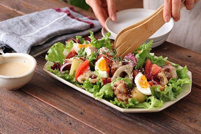簡単に栄養が摂れるチキンを使った野菜満点サラダ