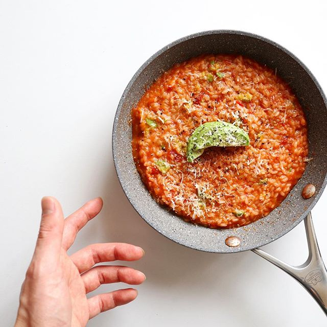 簡単で豪華なレシピ!アボカドトマトのリゾット