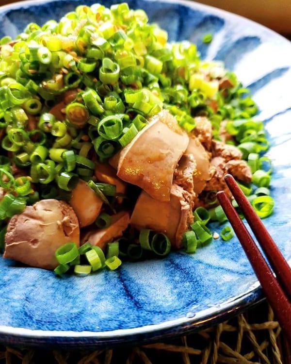 ネギたっぷり!ねっとりと濃厚な鶏レバーの煮物