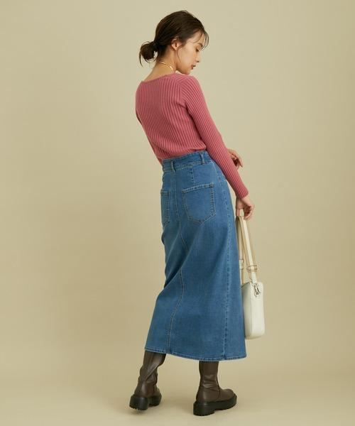 ピンクリブニット×デニムタイトスカート