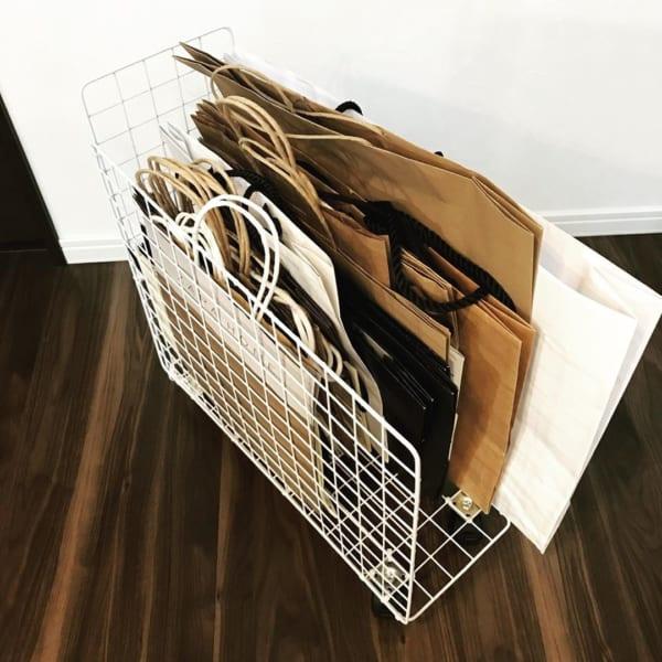 セリアのワイヤーラティス 紙袋収納 DIY