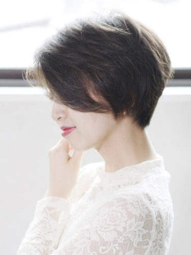 暗髪透明感カラー×小顔ショートボブヘア