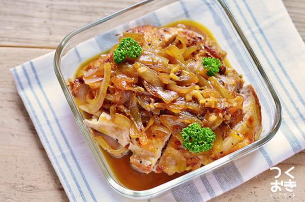人気で絶品レシピ!鶏肉のオニオンソース煮