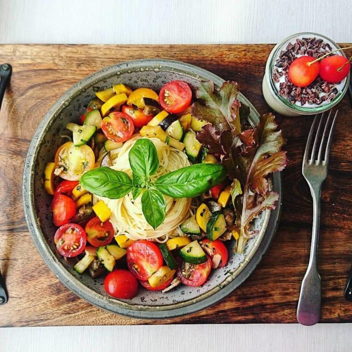 プチトマトの冷製カペッリーニ