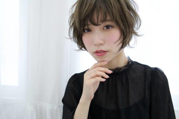 ベース型さんに似合うショートヘア《前髪あり》2