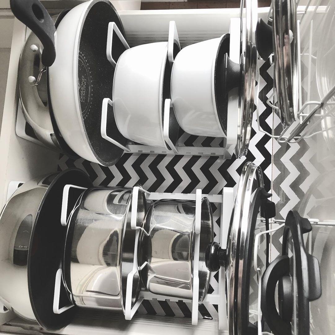 鍋と鍋蓋を別々に収納して